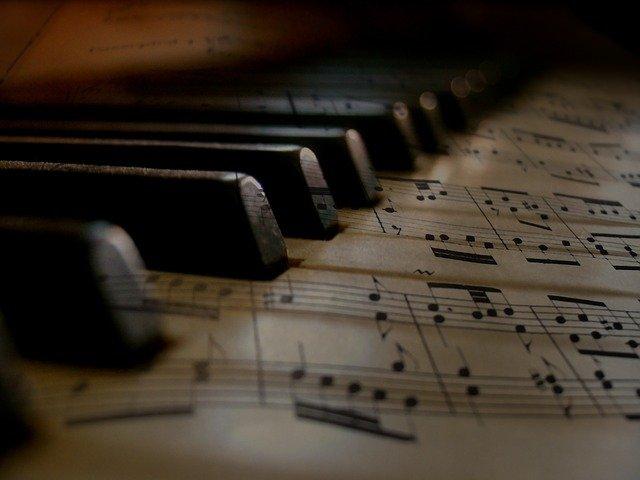 music-279333_640
